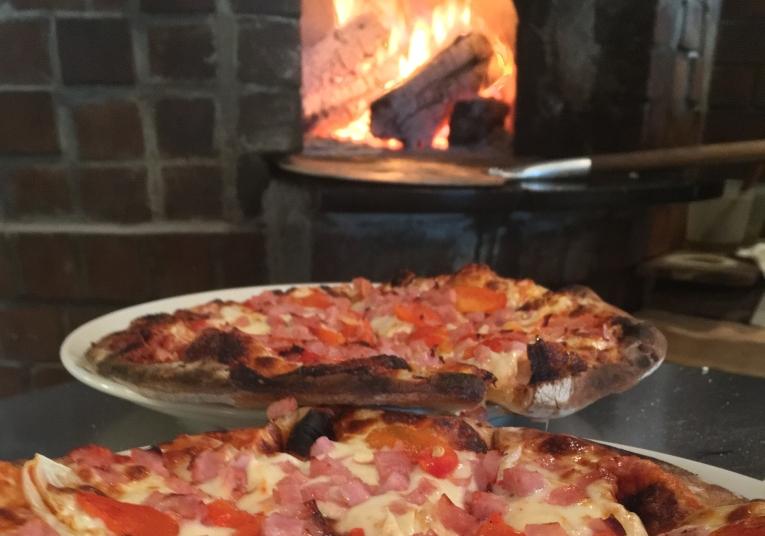 Pizza con Hamon a la Rustica